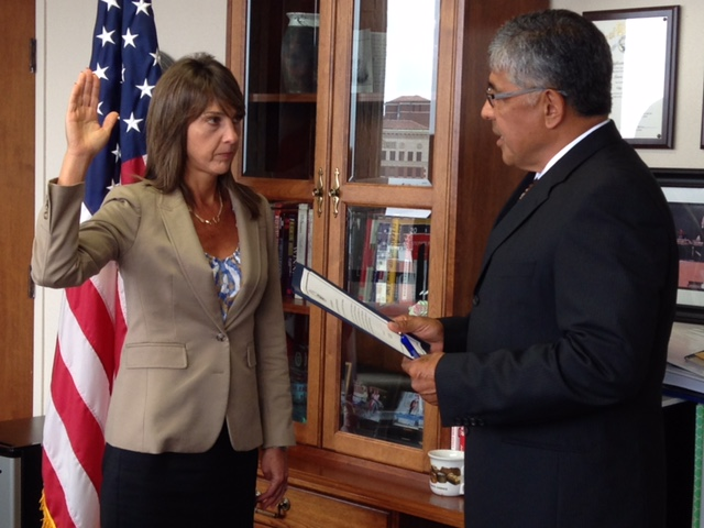 City Clerk Larry Herrera administers Oath of Office in 2014